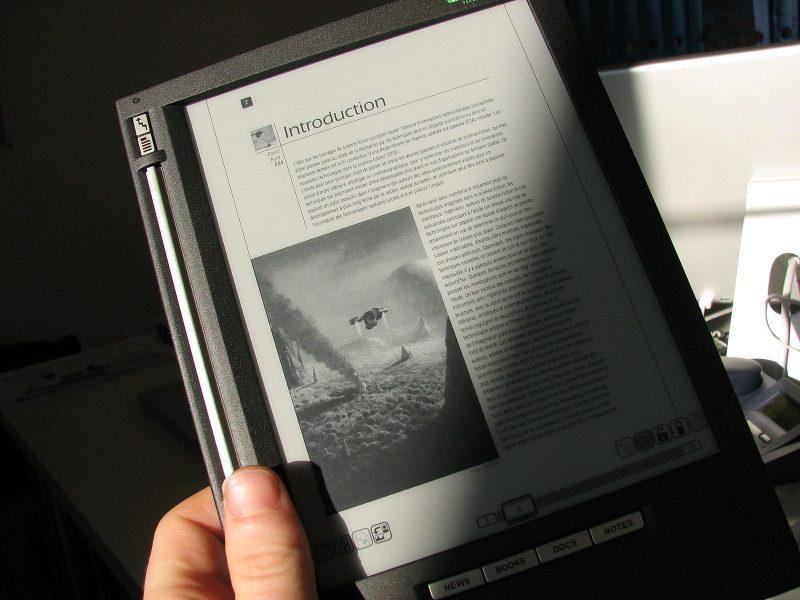 bouquin électronique iliad liseuse écran électrophorétique
